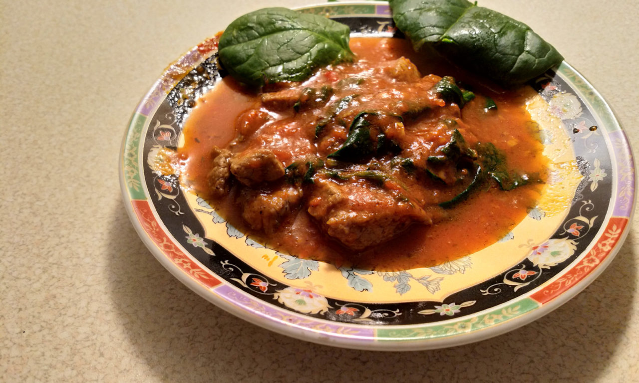 Polędwica wołowa w ostrym pomidorowym sosie